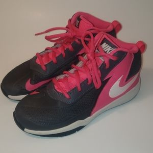 Girls Nike Team Hustle D7 Basketball Shoes